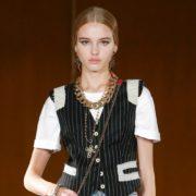 Τα 3 ρούχα που κάθε γυναίκα πρέπει να έχει στη ντουλάπα της σύμφωνα με τον Domenico Dolce και τον Steffano Gabbana