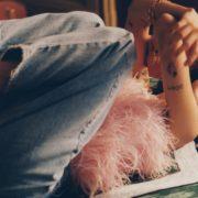 Τα 8 απλά πράγματα που θα σε κάνουν πιο χαρούμενη στο σπίτι