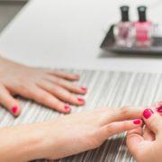 Τα 8 πράγματα που μπορεί να εκνευρίζουν τη nail artist σου