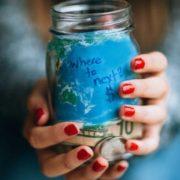Τα baby steps της οικονομικής διαχείρισης για να μη μένεις χωρίς χρήματα στη μέση του μήνα