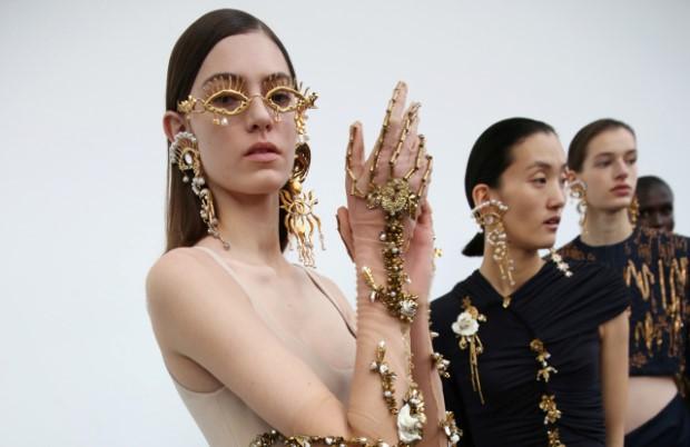 Τα trends της άνοιξης στα κοσμήματα στα οποία θα θέλεις να επενδύσεις