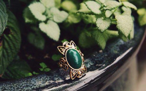 Τι χρειάζεται να ξέρεις πριν αγοράσεις vintage κοσμήματα