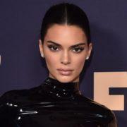 Το νέο hair color της Kendall Jenner είναι η ιδανική μεταβατική απόχρωση προς το ξανθό