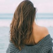 Το να ζεις κοντά στη θάλασσα κάνει καλό στην ψυχική σου υγεία σύμφωνα με έρευνα