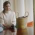 Το πιο απρόσμενα cool πράγμα που θα βρεις στην τσάντα της Emma Watson