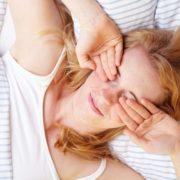 Το ροχαλητό του συντρόφου σου έχει επιπτώσεις στην υγεία σου και πρέπει να το ξέρεις