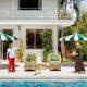 Το σπίτι των Poppy και Cara Delevigne στο LA θα σε κάνει να σκεφτείς σοβαρά τη jungle αισθητική