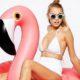 Το flamingo συνεχίζει να μας απασχολεί απλά ως πόζα στα Instagram των celebrities
