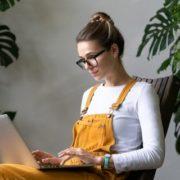 Ψυχοθεραπεία με Zoom Τι κερδίζεις και τι χάνεις με τη digital συνεδρία