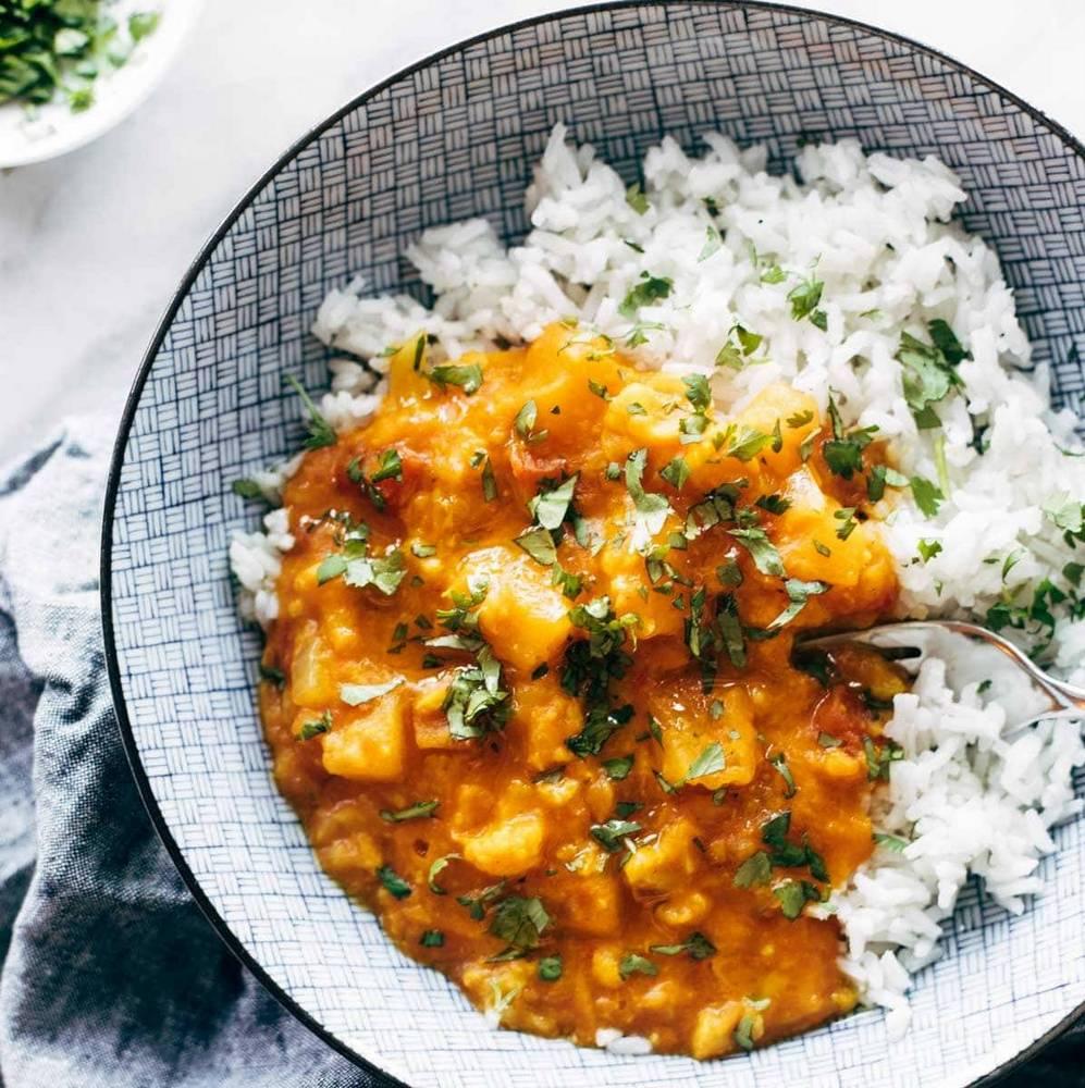 Εύκολη συνταγή για ρύζι με κουνουπίδι και κάρυ