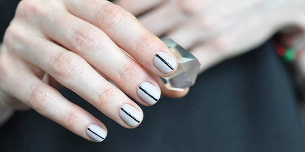 14baa47849c7 Τα γεωμετρικά trends στα νύχια που πρέπει να δοκιμάσεις - Savoir Ville
