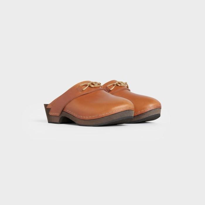 Τα παπούτσια της άνοιξης είναι τα clogs