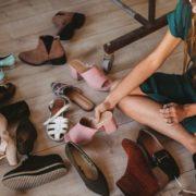 Το απόλυτο hack για να μην γλιστράνε τα πόδια σου μέσα στα παπούτσια