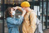"""Honesty Bombing"": Το νέο dating trend που έφερε η πανδημία αμέσως μετά τα απανωτά lockdown"