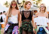 Τα καλύτερα outfits που έχουμε δει στο Coachella όλα αυτά τα χρόνια