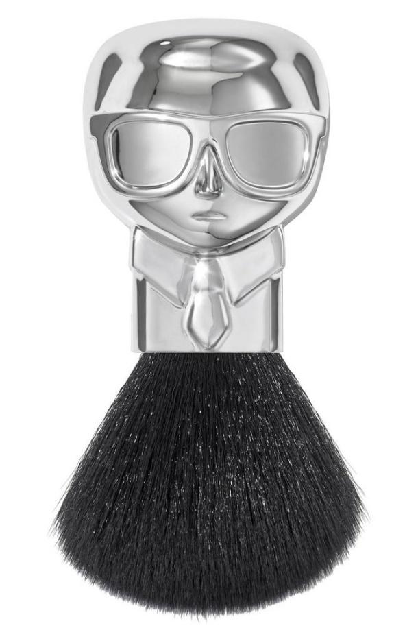 Η νέα σειρά μακιγιάζ από τον Karl Lagerfeld είναι εδώ
