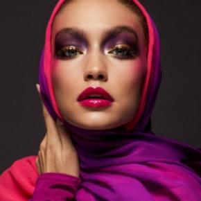 Η Gigi Hadid φοραει Hijab και στελνει το δικο της μηνυμα απο το πρωτο εξωφυλλο της Vogue Arabia