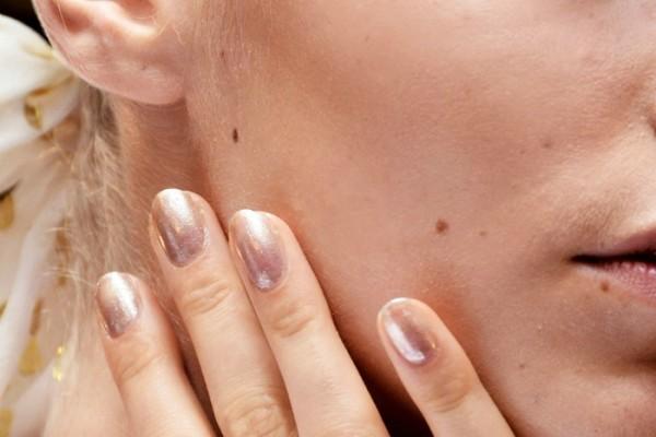 Πως να επαναφερεις τα νυχια σου μετα το τζελ
