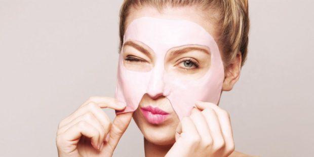 6 απλοί τρόποι για φυσικά λαμπερό δέρμα τον χειμώνα