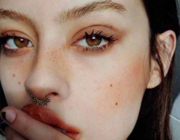 Το νεο beauty hack στην εφαρμογη του make up