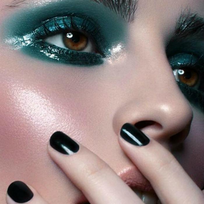 Glossy eyes trend: το επομενο trend που θα κατακτησεις