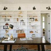 10 γραφεία σε σαλόνια που είδαμε στο Instagram και μας ενέπνευσαν