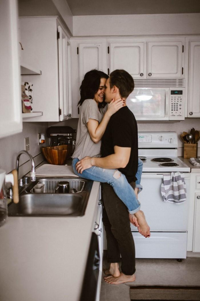 11 ιδέες για ραντεβού στο σπίτι που δεν είναι Netflix και κρασί