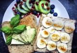 """Διατροφολόγος απαντάει: Τι σημαίνει το """"clean eating"""" πραγματικά;"""