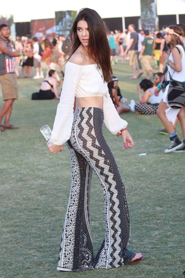 Τα καλύτερα outfits που έχουμε δει στην Coachella όλα αυτά τα χρόνια