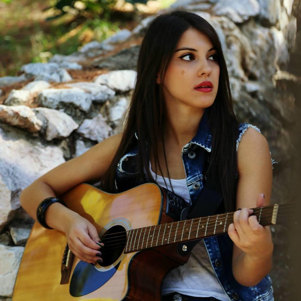 Κωνσταντινα Χριστοπουλου: Μετα το The Voice και τους STAVENTO, ετοιμαζεται ν' αφησει το στιγμα της στην μουσικη σκηνη.