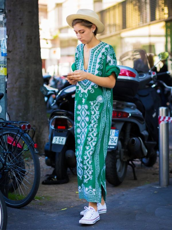 13-sartorial-moves-cool-girls-are-making-this-summer-1834035-1468346602-600x0c