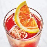 Το Palome Spritz είναι το πιο φρουτώδες cocktail αυτού του καλοκαιριού