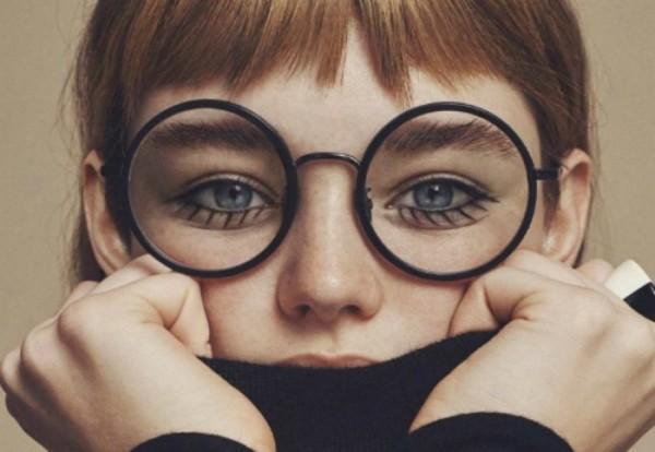 Γιατι πρεπει αμεσως να χρησιμοποιησεις τη κρεμα ματιων σου