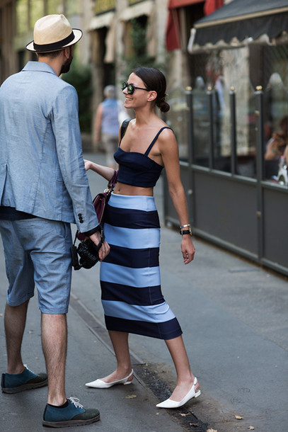 1x67so-l-610x610-shoes-kittenheels-midheelsandals-slingbacks-whitesandals-whiteshoes-midiskirt-stripes-stripedskirt-black-blackcrop-croptops-streetstyle-sunglasses