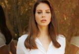 Η ποιητική συλλογή της Lana Del Rey θα έχει τίτλο «Violet Bent Backwards Over The Grass»