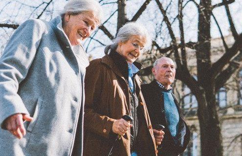 21 ερωτήσεις που πρέπει να κάνεις στους παππούδες σου για να γνωρίσεις καλύτερα και τον εαυτό σου