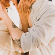 21 ερωτήσεις που θα σε φέρουν πιο κοντά με τον σύντροφό σου