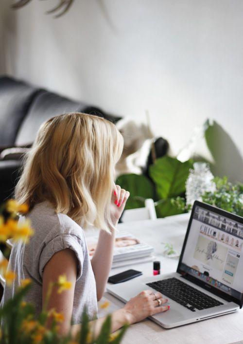 Πως να μείνεις συγκεντρωμένη όταν δουλεύεις από το σπίτι