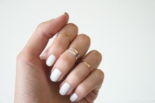 24116-White-Nails