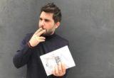 Ο Χρήστος Καρασαββίδης αντιμετωπίζει τον έρωτα και τον πόλεμο μαζί με «Τα τέσσερα κοριτσάκια»