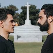 Inemuri | Όταν ο Νικόλας συνάντησε τον Γιώργο σε ένα μεταμεσονύχτιο bromance!