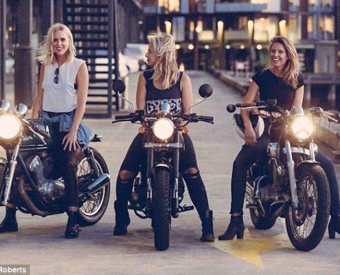 Τα αγαπημένα προιόντα καθαρισμού των κοριτσιών που οδηγούν μηχανή