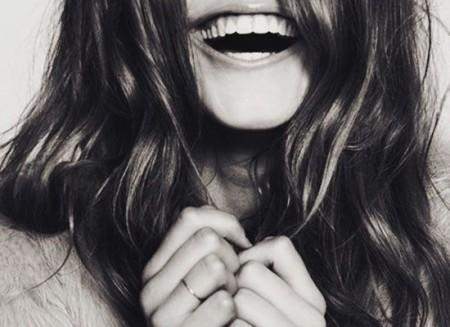 Έξυπνα beauty hacks για σένα που δεν το'χεις με την περιποίηση-photography-laughing-smiling-photography