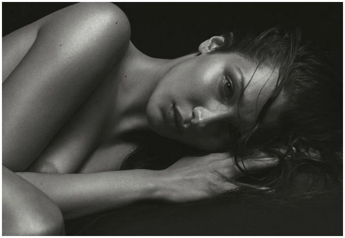 Η Bella Hadid κανει ενα throw back και φωτογραφιζεται για το εξωφυλλο του Vmagazine