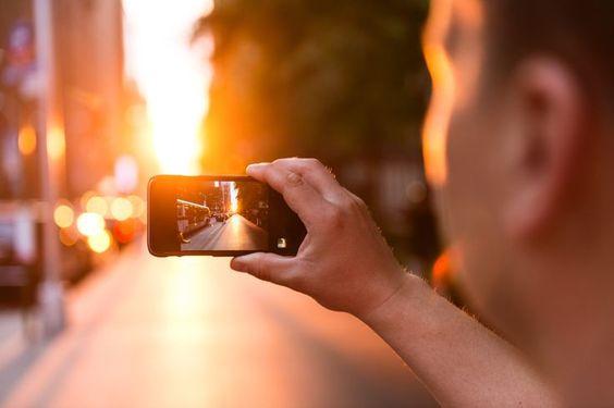 4 σημάδια που δείχνουν πως είσαι εξαρτημένη από το κινητό σου