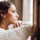 4 τρόποι με τους οποίους το stress επηρεάζει την επιδερμίδα σου