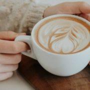 4 τρόποι να αντιμετωπίσεις την απογευματινή υπνηλία χωρίς να πιεις καφέ