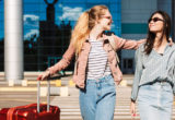 4 τρόποι να αντιμετωπίσεις την αφυδάτωση στις διακοπές και το αεροπλάνο