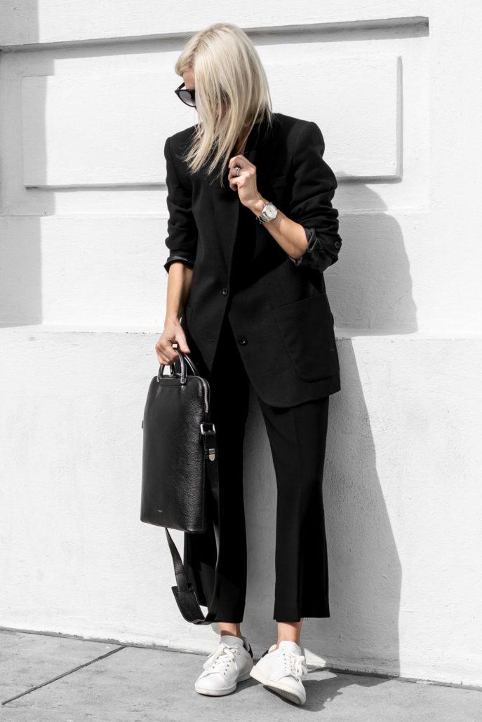 4 τρόποι να κάνεις ένα total black outfit λίγο πιο ενδιαφέρον