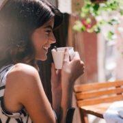 4 φυσικοί τρόποι να αυξήσεις τα επίπεδα σεροτονίνης σου